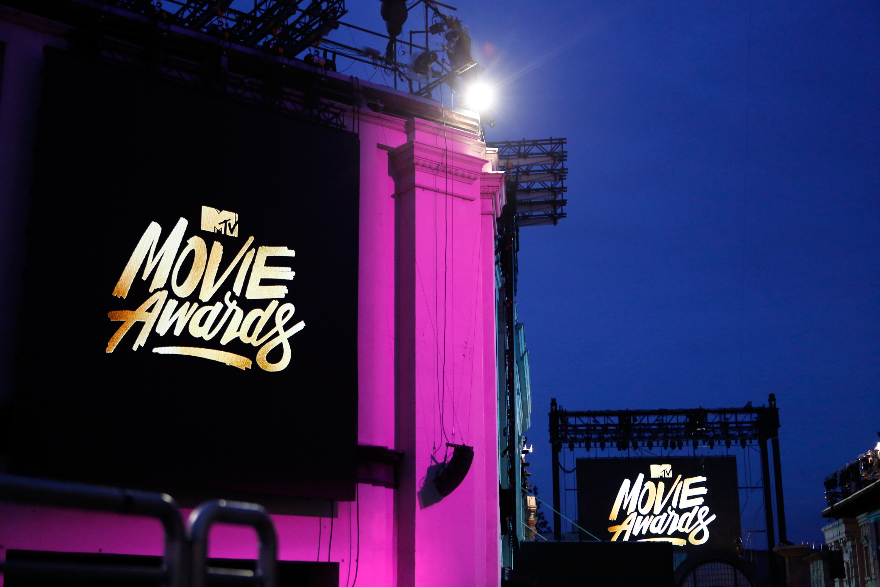 BURBANK, CALIFORNIA - APRIL 07: (EXCLUSIVE ACCESS, SPECIAL RATES APPLY) A preview of the 2016 MTV Movie Awards during the 2016 MTV Movie Awards Press Junket at Warner Bros. Studios on April 7, 2016 in Burbank, California. (Photo by Randy Shropshire/MTV1415/Getty Images for MTV)