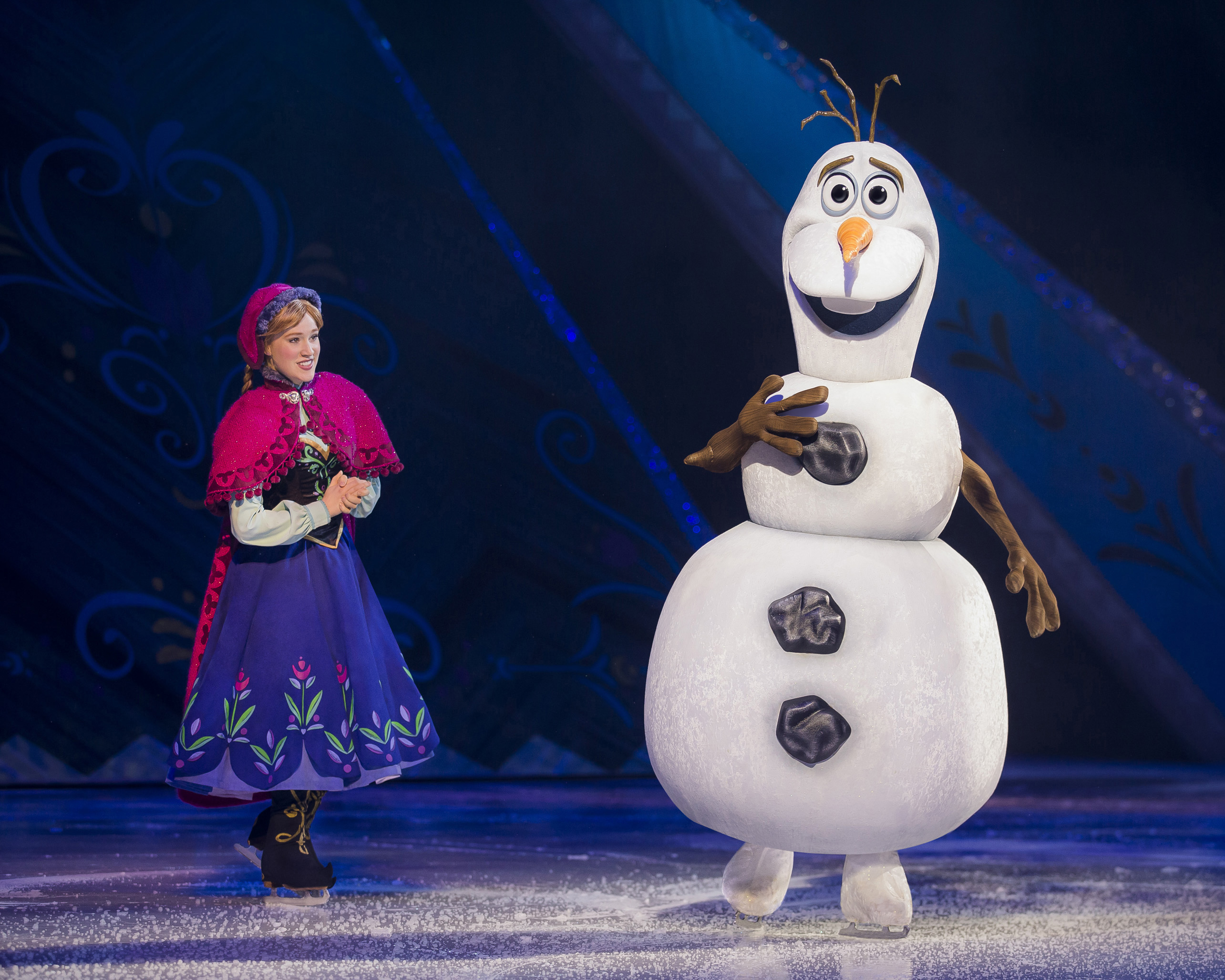 Disney On Ice presents Worlds of Enchantment Anna & Olaf from Disney's Frozen. Photo credit: ©Disney